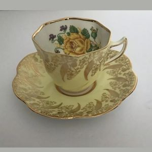 Clare Swirl Yellow Gold Teacup & Saucer